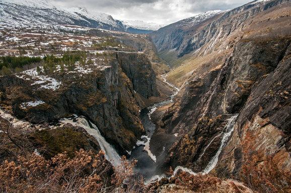 reis naar voringfossen in noorwegen