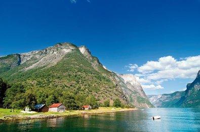 waterval voringfossen in noorwegen