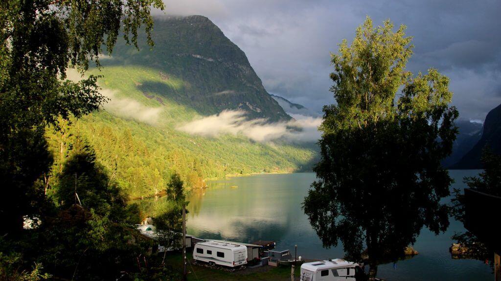 fly drive vakantie fjorden in noorwegen