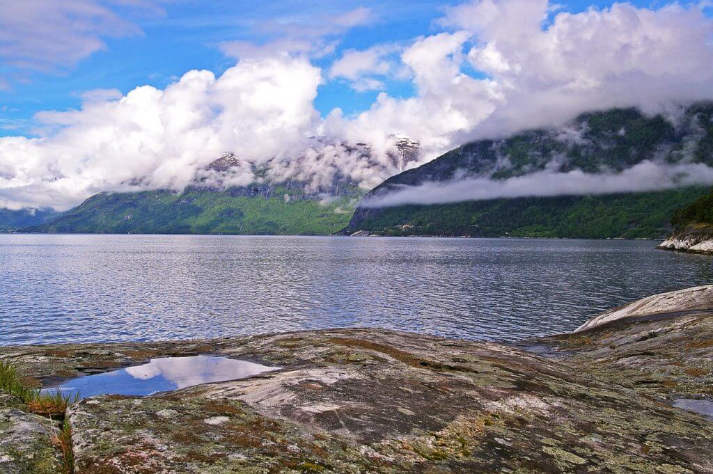 fly drive vakantie hardangerfjord in noorwegen
