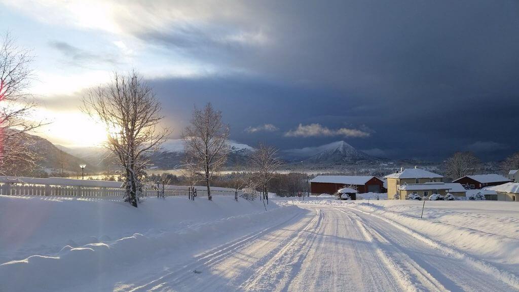 skien, snowboarden en sleeen in noorwegen